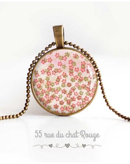 collana pendente cabochon, piccoli fiori, gioielli rosa verde primavera delle donne