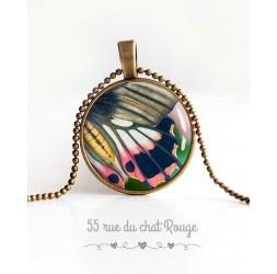 Collier pendentif cabochon, aile de papillon, rose et gris, vert printemps, bijoux pour femme