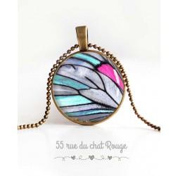collana pendente cabochon, ala di farfalla, blu, grigio e fucsia, gioielli della donna