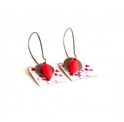 Pendientes, colgantes, las pequeñas flores rojas y blancas de lujo, artesanías