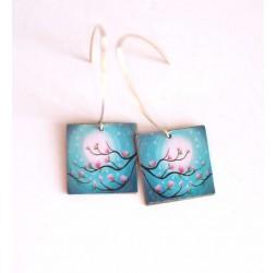 Boucles d'oreilles, pendantes, fantaisie,  Magnolias rose et bleu, artisanat