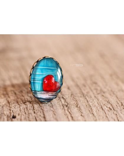 Bague Cabochon petite coeur rouge fond bleu