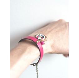 Bracelet gris en cuir, cabochon dahlia rose