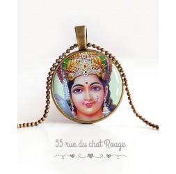Collier pendentif cabochon Déesse Hindou, Vishnu, porte-bonheur