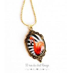 Collier pendentif Flamant rose, chaine dorée