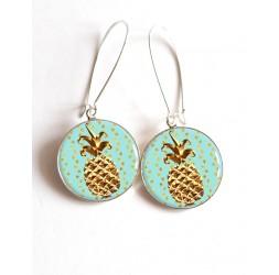 Boucles d'oreilles, Ananas dorée, bleu pastel, cabochon résine époxy