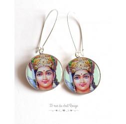 Pendientes, dios hindú Vishnu, resina epoxi cabujón