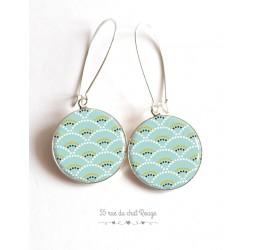 Boucles d'oreilles, Seigaiha bleu tendre et vert, Japon, cabochon résine époxy