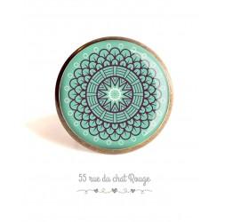 Cabochon Ring stieg Geist Marokkanische auf Pastell blauen Hintergrund, 25 mm, Bronze