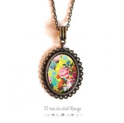 Collier pendentif cabochon, Fleurs du Japon, jaune, vert et rose, bronze