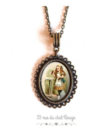 cabochon pendant necklace Alice in Wonderland vintage bronze