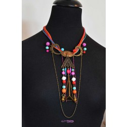 Grande collana di molto originale, eventi e multicolore di bronzo