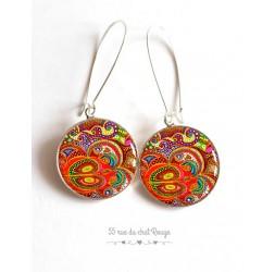 Boucles d'oreilles, Paisley, inspiration Inde, multicouleur, orange, résine époxy, argentée